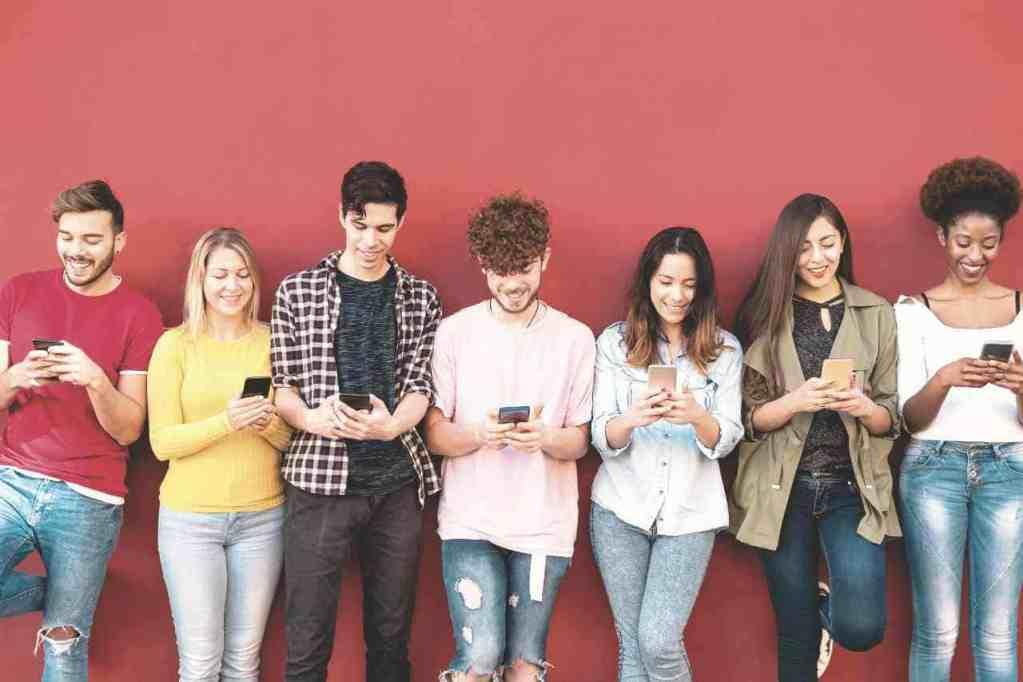 Social proof - popular kids on phones